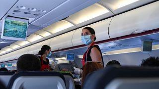 Havayolu şirketlerinden uçuş esnasında alkollü içecek yasağı