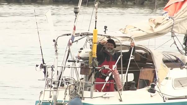 Juan Manuel Ballestero en su velero