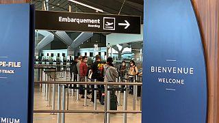 """Covid: retrato de um aeroporto em """"câmara lenta"""""""