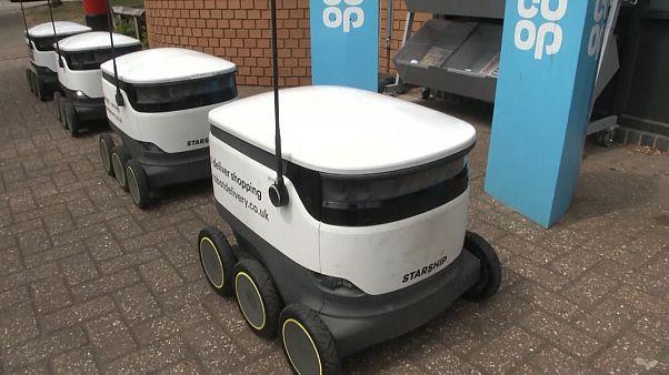 Covid-19 sonrası alışveriş alışkanlıklarını değiştiren kargo robotlara rağbet arttı