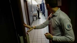 حراس داخل أحد السجون الفرنسية