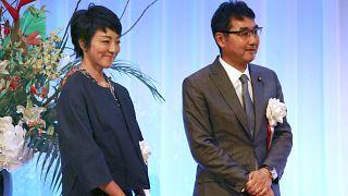Milletvekili Anri Kawai Anri ve eski Japonya Adalet Bakanı Katsuyuki Kawai