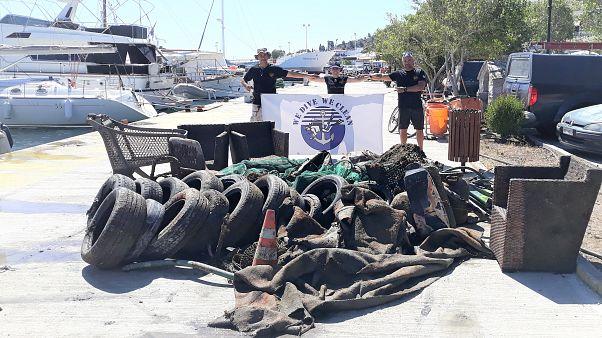 Η ομάδα We Dive We Clean