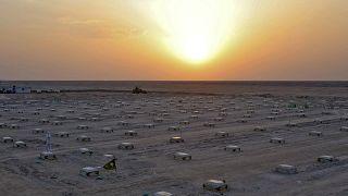 صورة لمقابر ضحايا كورونا في العراق