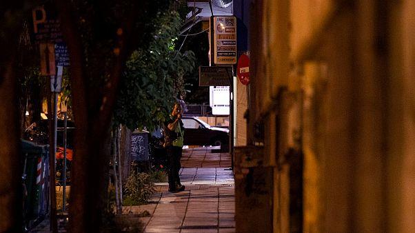 Αστυνομικός έξω από το σπίτι της 10χρονης