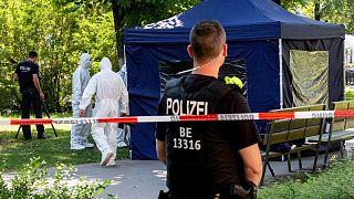 Cinayet sonrası Alman polisinin olay yeri incelemesi