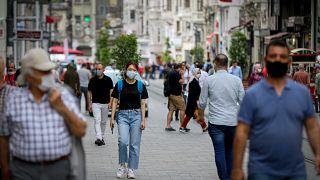 İstanbul'da maske takanlar