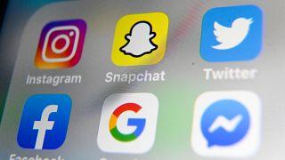 """المجلس الدستوري الفرنسي يبطل بعض بنود قانون خطاب الكراهية """"الرقمي"""""""