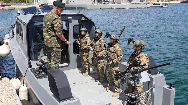 Ο Αρχηγός ΓΕΕΘΑ Στρατηγός Κωνσταντίνος Φλώρος στο Αρχηγείο Στόλου στο Ναύσταθμο Σαλαμίνας