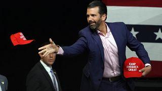 Oğul Trump'tan Baba Trump'a babalar gününde Trump kanalında röportaj