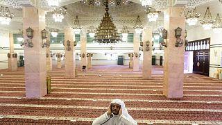 Hac için henüz karar vermeyen Suudi Arabistan yasakları kaldırıyor