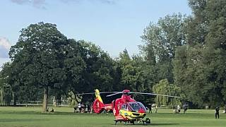 Медицинский вертолет на месте преступления. Рединг, Великобритания