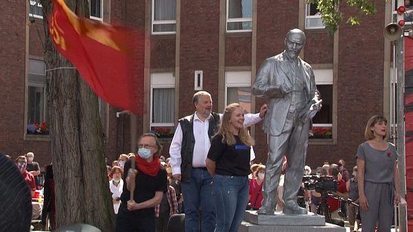 مجسمه لنین در شهر گلزنکیرشن آلمان رونمایی شد