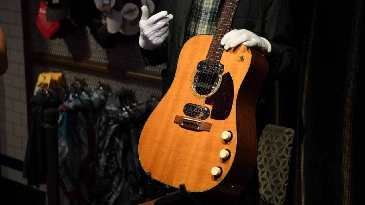 A guitarra do concerto Unplugged, em Nova Iorque
