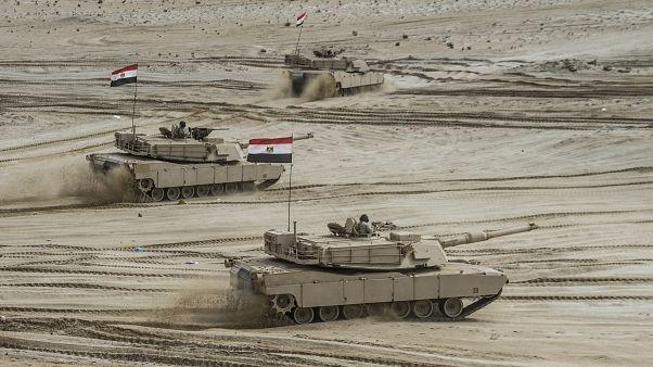 دبابات مصرية تشارك في مناورة عسكرية (صورة من الأرشيف)
