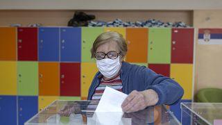 Партия Вучича побеждает на парламентских выборах