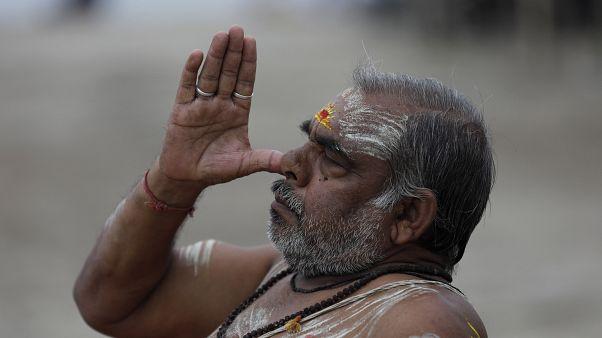 شاهد: هكذا احتفل عشاق اليوغا في الهند باليوم الدولي لليوغا