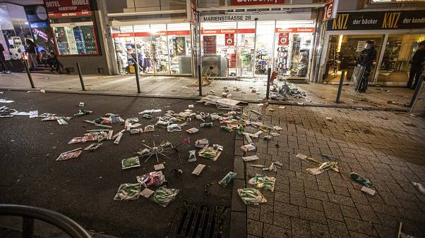 Noite de violência deixa Estugarda em choque