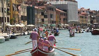"""Immagini della """"Vogada de la Rinascita"""", a Venezia"""