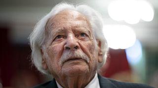 Bálint gazda (Bálint György kertészmérnök) a Magyar Szocialista Párt (MSZP) budapesti nőnapi rendezvényén, ahol közéleti díjat vett át 2019. március 9-én.