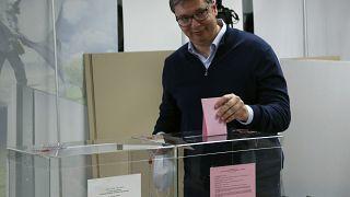 Serbie : victoire sans appel pour le président Vucic
