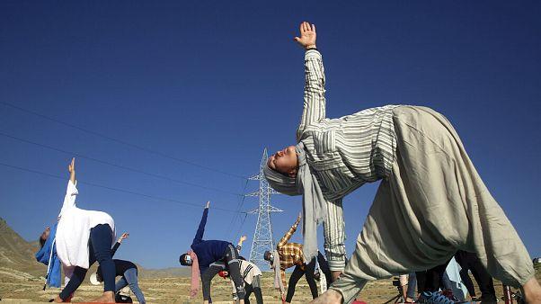 روز جهانی یوگا؛ تصاویری از کابل ِافغانستان و هیمالیای هندوستان