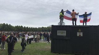 Lahey'deki hükümet binası yakınında yapılan protesto gösterisi