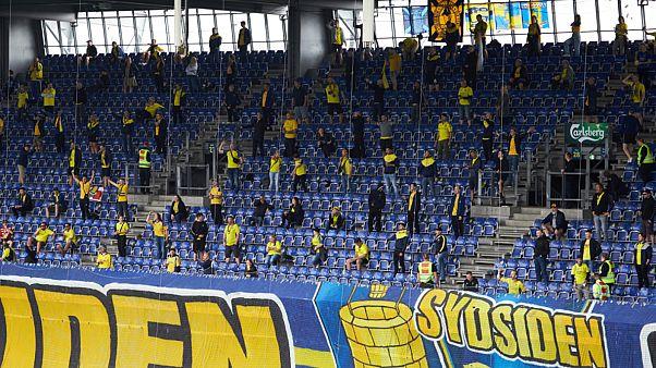 بازگشت تماشاگران فوتبال به استادیومها در دانمارک برغم هشدارها در باره اوجگیری کرونا در اروپا