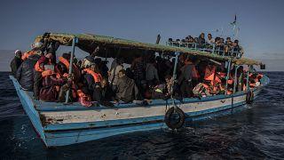 Avrupa'ya ulaşmaya çalışan Afrikalı göçmenler