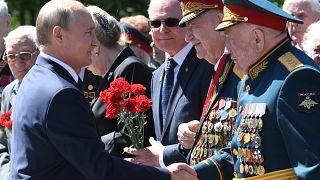 L'hommage de Vladimir Poutine aux soldats morts durant la Seconde Guerre mondiale