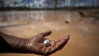 """Angola quer """"colocar ordem no setor"""" dos recursos minerais"""