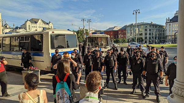 Полиция и протестующие на Лубянке 22 июня 2020