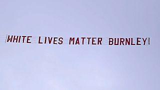 """Manchester City-Burnley: polemiche per lo striscione """"suprematista"""""""