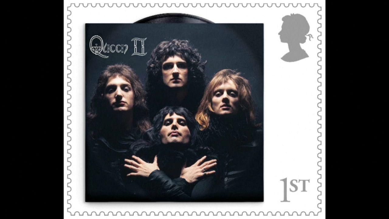 Timbre à l'effigie du groupe de rock Queen - Capture d'écran d'une vidéo AP.