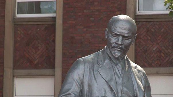 Lenine instala-se em cidade alemã