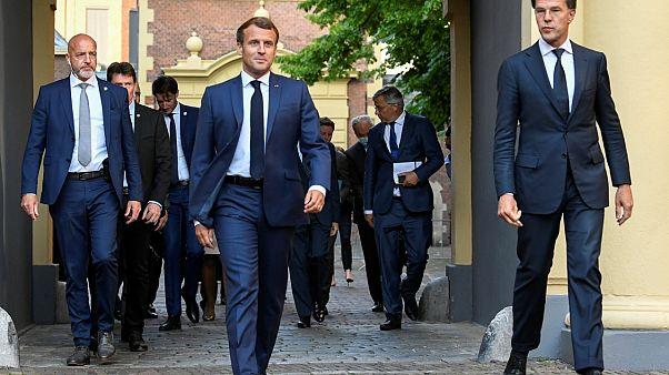 Le président français Emmanuel Macron et le Premier ministre néerlandais Mark Rutte à La Hague le 23 juin 2020