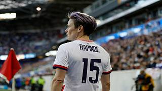 قاضی فدرال فرجامخواهی شکایت زنان فوتبالیست در آمریکا را به تاخیر انداخت