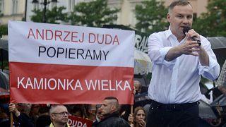 Elections en Pologne : Andrzej Duda, à droite toute