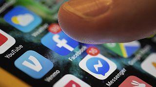 Sosyal puanlama sistemi: Facebook'ta yaptığınız bir paylaşım kredi almamıza engel olabilir mi?