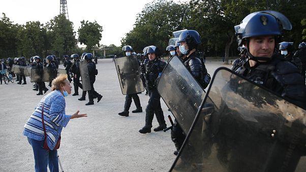 تقرير: عنصرية شرطة أوروبا زادت في ظل كورونا