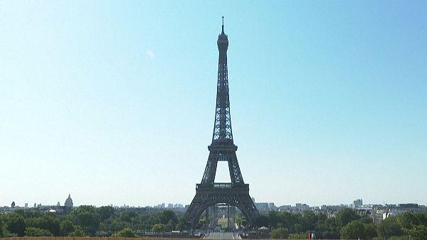 Megnyitották az Eiffel-tornyot