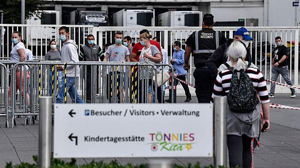 تزايد إصابات كورونا مجددا في أوروبا وتصاعد مقلق للوباء في الولايات المتحدة