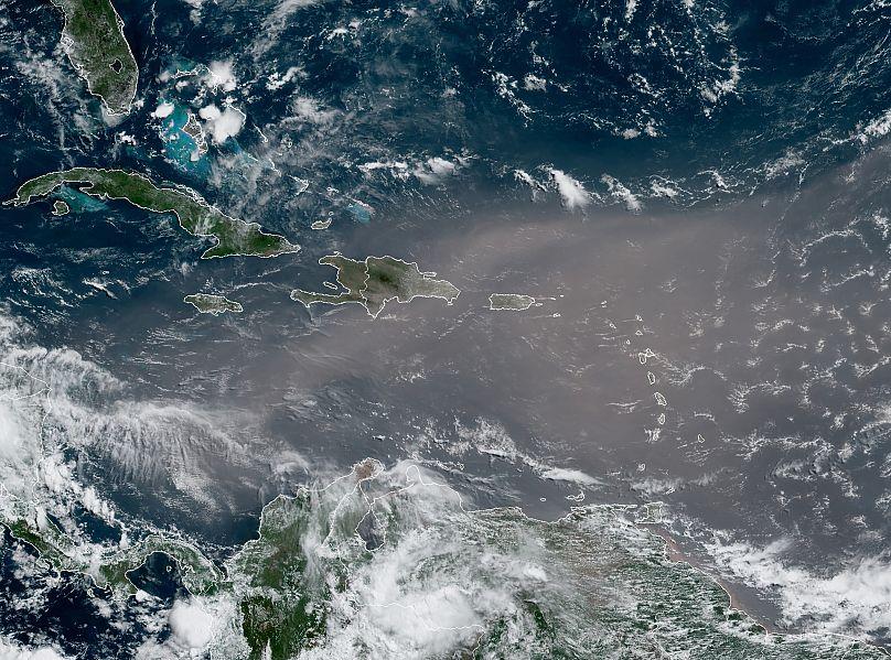 NOAA/AP