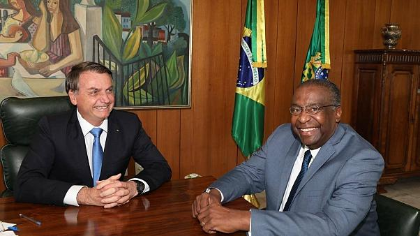 Bolsonaro nomeia professor Carlos Decotelli da Silva para ministro da Educação