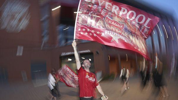 Klopps Kronung Fc Liverpool Gewinnt Dank Firmino