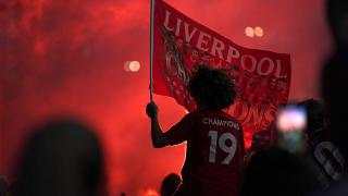 I Reds fanno tremare l'Inghilterra con la vittoria e la festa a rischio contagio