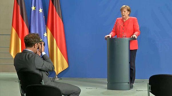 Angela Merkel - Retterin Europas oder lahme Ente?
