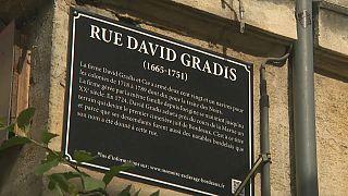 Une plaque explicative à Bordeaux