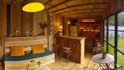 Eco pub in Devon, made of second-hand and recycled materials during lockdown