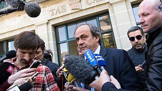 پرونده فساد فیفا؛ پلاتینی توسط دادستانی سوئیس به عنوان مظنون بازجویی میشود